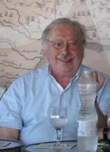 """""""Eravamo io, Maradona, Teofilo Stevenson, Fidel Castro..."""": a Gianni Minà il Premio Trabucchi per la Passione Civile"""