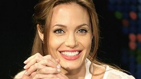 10 donne belle che sono davvero bellissime. Anzi, sono belle belle belle in modo assurdo (o lo sono state) angelina jolie