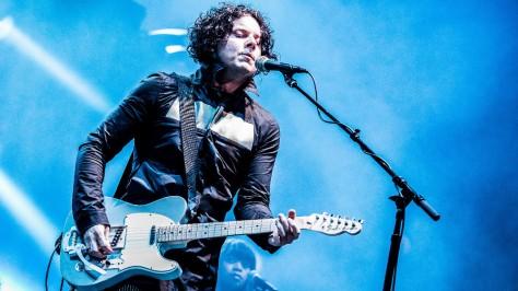 10 chitarristi famosi che non sono capaci di suonare la chitarra Jack White