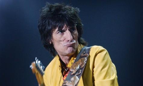 10 chitarristi famosi che non sono capaci di suonare la chitarra - Ronnie Wood