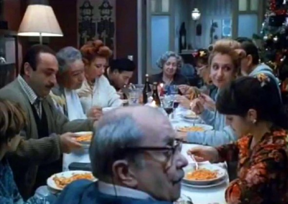10-tipologie-di-parenti-che-trasformano-in-un-incubo-le-feste-in-famiglia-featured