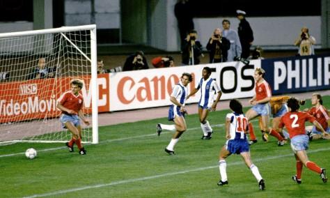 10-finali-di-Champions-League-diverse-dalle-altre-porto-1987